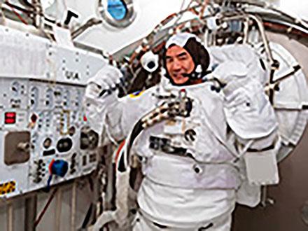 米有人宇宙船がISS到着、シャトル廃止以来9年ぶり悲願達成