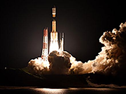 最後のH2Bロケット打ち上げ成功 物資補給機を搭載