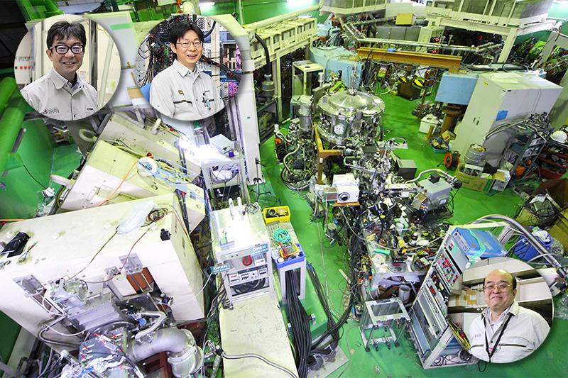 日本の技術を結集しニホニウムの発見に貢献した装置、GARIS(ガリス)と研究者たち※画像提供:理化学研究所