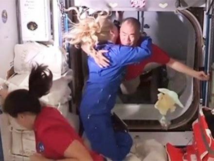 野口さん、米国の新型宇宙船でISS到着 「『全集中』で頑張りたい」と抱負