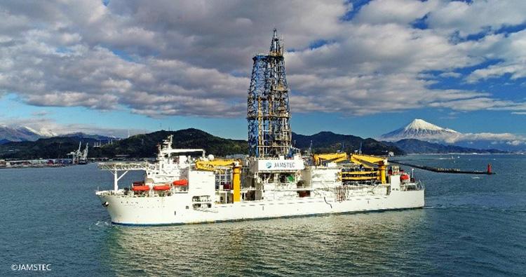 地球深部探査船「ちきゅう」=JAMSTEC提供