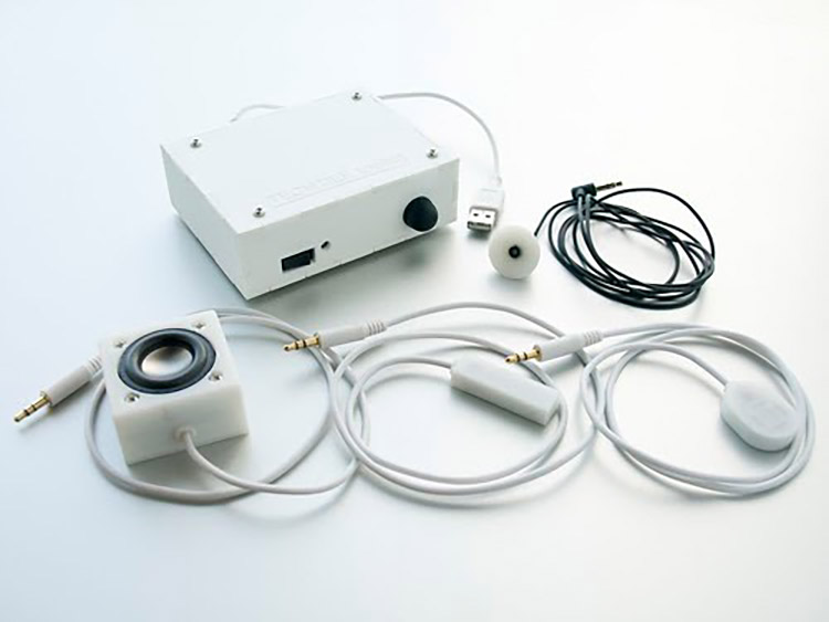 テクタイル・ツールキット。送受信には専用のデバイスがある(提供:YCAM InterLab TECHTILE)