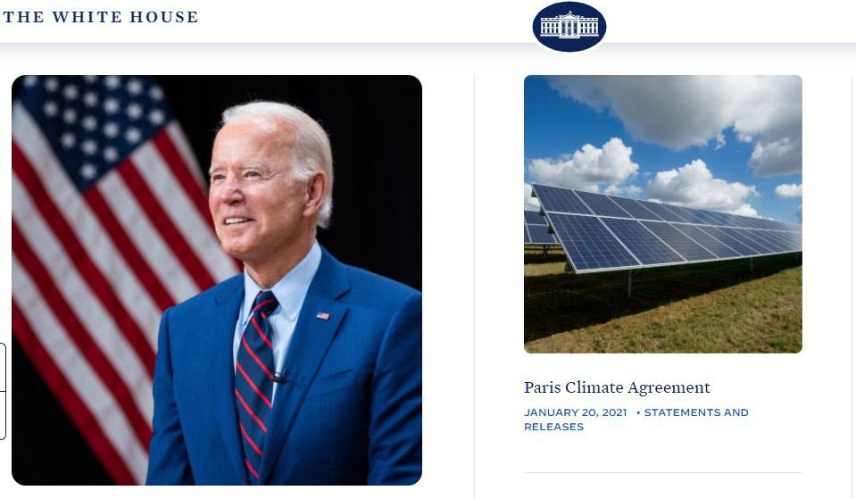 バイデン大統領(左)とパリ協定復帰を知らせる米ホワイトハウス広報のホームページの一部(右)(米ホワイトハウスのホームページから)