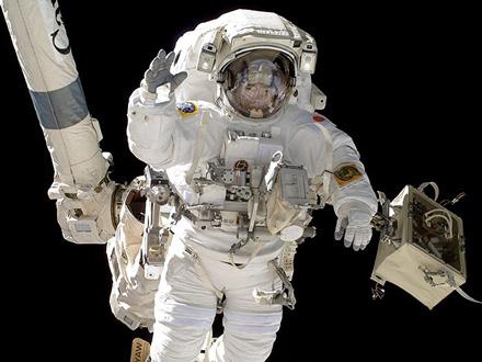 日本人宇宙飛行士の応募、「文系」「カナヅチ」もOKに?