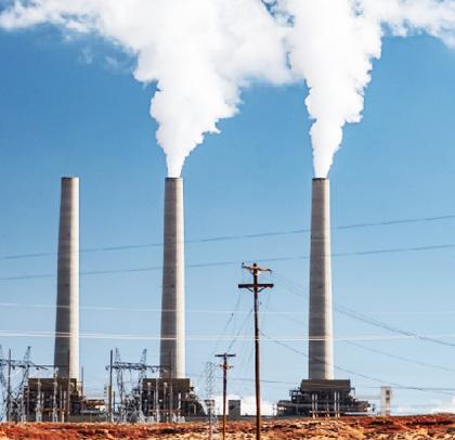 国連の気候変動枠組み条約事務局が公表した報告書のプレスリリースに使用された温室効果ガス排出のイメージ画像(Credit/Vlad Chetan=気候変動枠組み条約事務局提供)