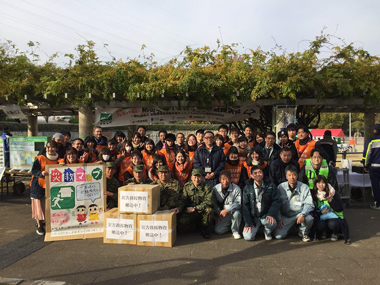 大阪・久宝寺緑地での防災フェア(稲場圭信 提供)