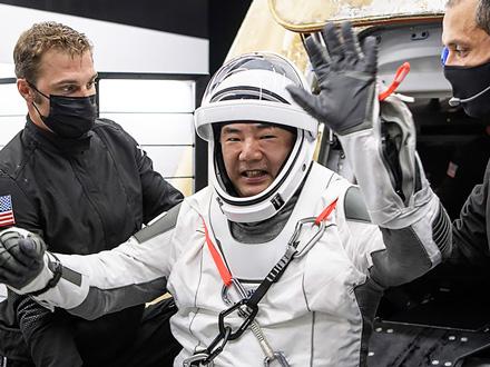 ショパンの調べとともに…野口さん地球帰還、星出さんはISS船長就任