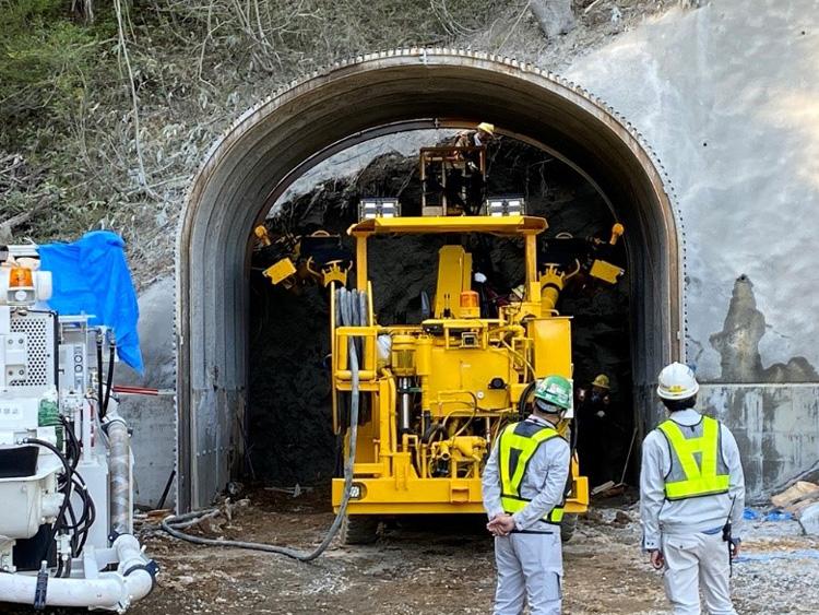始まったトンネル掘削工事=6日、岐阜県飛騨市(ハイパーカミオカンデ研究グループ提供)