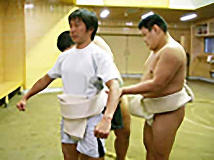 アスリート解体新書 (5)相撲 筋肉という鎧をまとった男たち