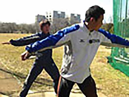アスリート解体新書 (29)円盤投げ 〜回転のパワー〜