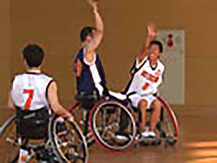 アスリート解体新書 (32)車椅子バスケットボール 〜地上90センチの戦い〜