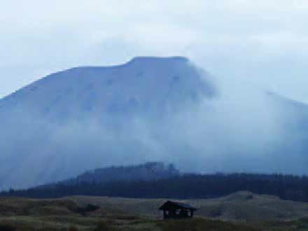 科学の遺産と未来 (7)自然との共生【前編】地下水の恵みと暮らす 熊本・阿蘇山麓