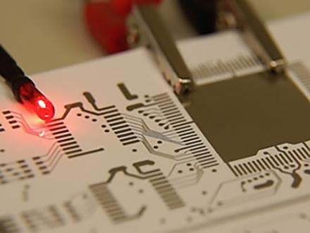 サイエンスニュース2014 紙とインクでつくる新しい電子デバイス(2014年7月1日配信)