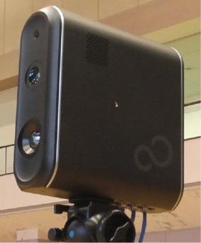 1秒間に約200万回のレーザーを照射する3Dレーザーセンサー。 画像提供:富士通