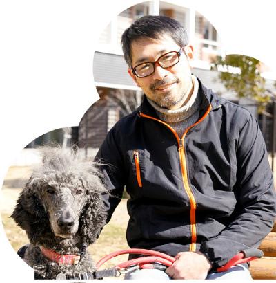 菊水さんが飼っているプードルのケビンクルトと。 普段は研究室にも一緒に出勤している。